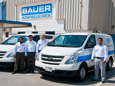 The team of the BAUER subsidiary in Dubai